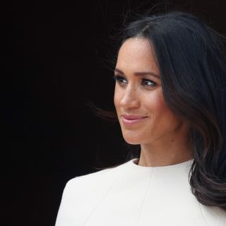 Meghan Markle icona di stile ai People's Choice Awards
