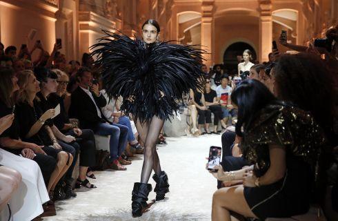Tendenze moda Autunno-Inverno 2018/19: piume