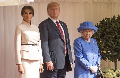 Melania Trump in Dior per incontrare la Regina Elisabetta II