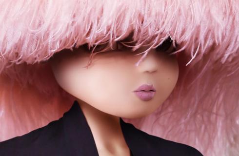 Noonoouri: chi è l'influencer virtuale amata dagli stilisti