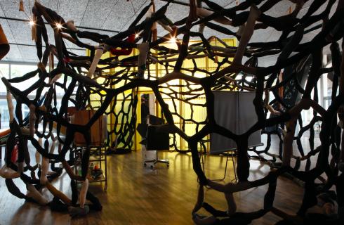 Fondazione Prada: la mostra The Next Quasi-Complex di John Bock dal 18 luglio al 24 settembre 2018 a Milano