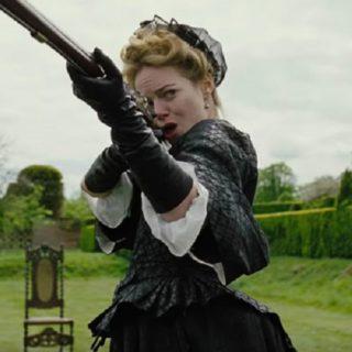 La Favorita: la recensione del film con Emma Stone