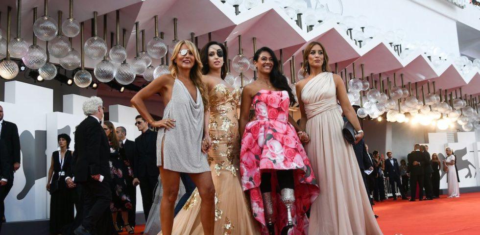 Donne & Libertà di Jo Squillo a Venezia 75: il red carpet con Giusy Versace e Gessica Notaro