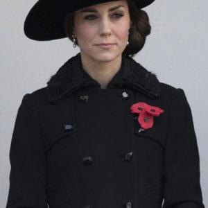 Kate Middleton prende in prestito gli orecchini della regina