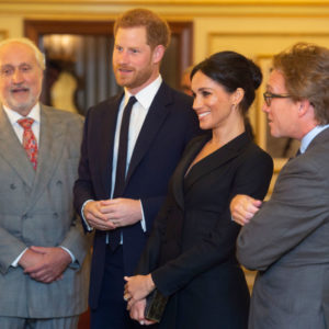 Meghan Markle in smoking omaggia Lady D