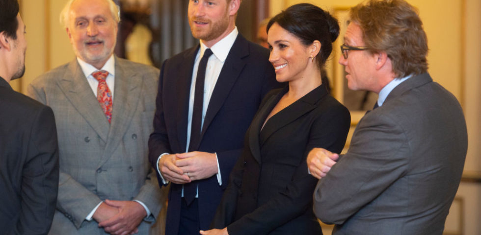 Meghan Markle in smoking: omaggio a Lady Diana