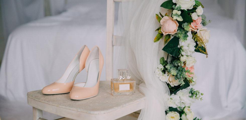Scarpe sposa a settembre: cosa indossare