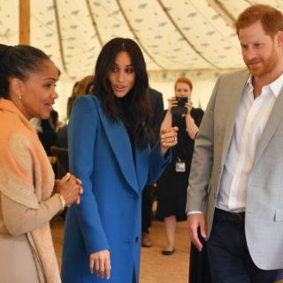 La Regina invita la madre di Meghan alla cena di Natale