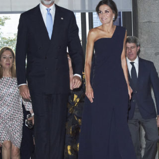 Letizia di Spagna, regina di stile anche in jumpsuit
