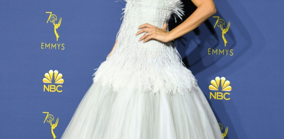 Penélope Cruz con l'abito Chanel più prezioso per gli Emmy 2018