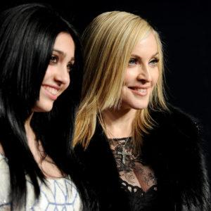 Lourdes Maria, la figlia di Madonna, debutta in passerella