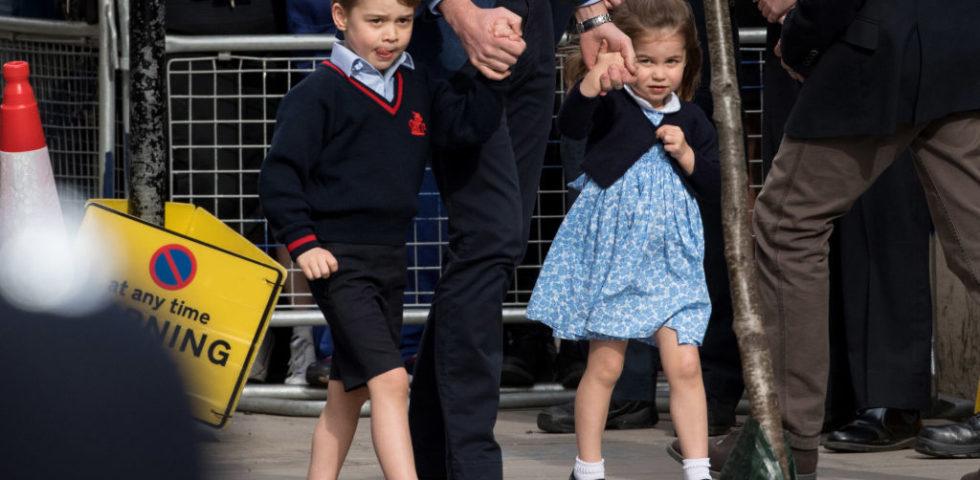 Kate Middleton fa shopping con George e Charlotte per il rientro a scuola