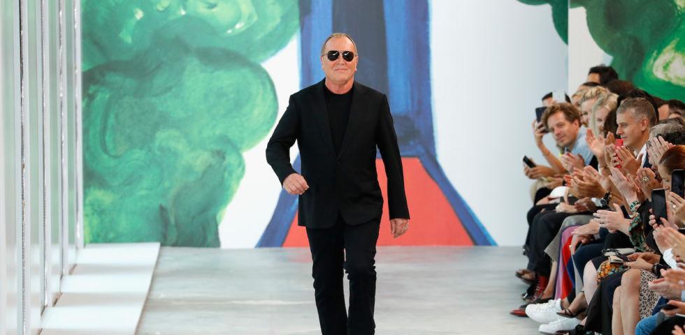 572e0cb65f Michael Kors: la storia dell'uomo che ha comprato Versace | DireDonna