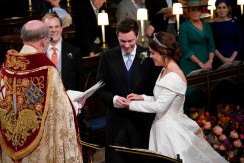 Il matrimonio della principessa Eugenie, l'abito da sposa Peter Pilotto, le foto