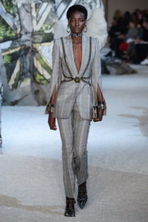 Alexander McQueen collezione Primavera-Estate 2019, le foto