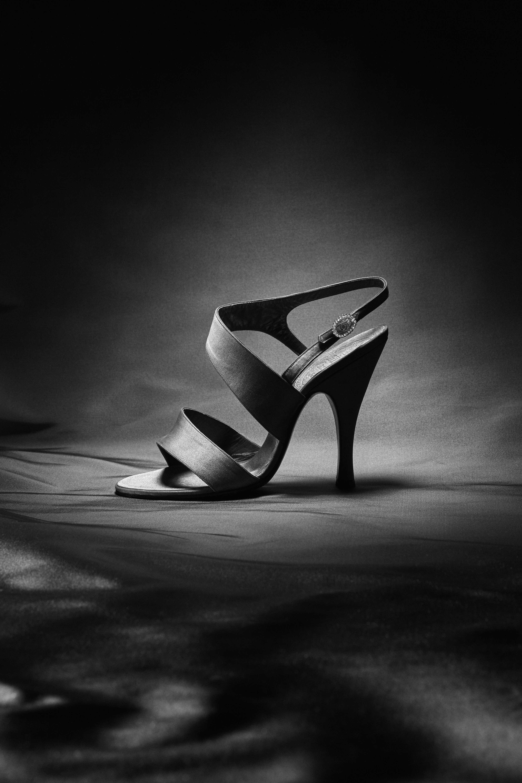 Il libro Dior by Roger Vivier, le foto