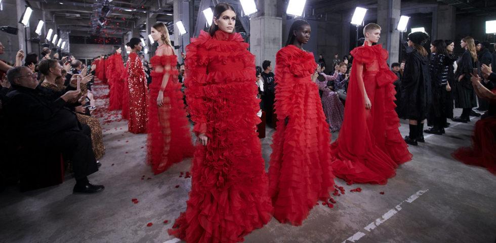 Valentino sfila a Tokyo: 5 cose da sapere sulla collezione pre fall 2019