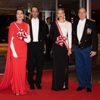 Charlene e Carolina di Monaco: look a confronto