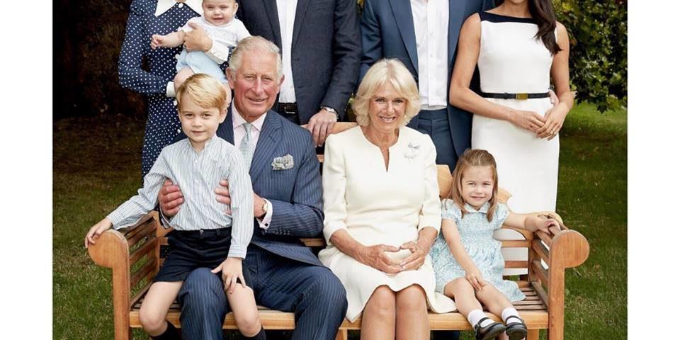 Il Principe Carlo compie 70 anni: le foto inedite con Kate, Meghan e i nipoti