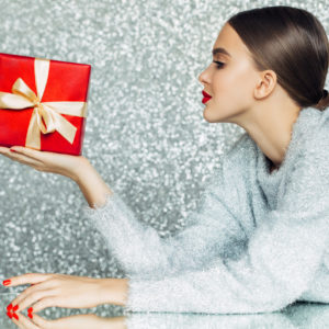 Regali di Natale: cofanetti, profumi & Co.