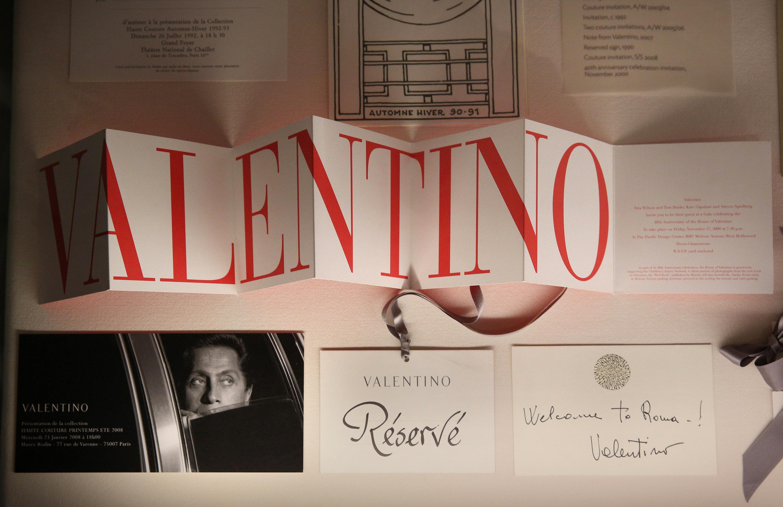 half off 3e324 995c1 Valentino Garavani: frasi famose, citazioni e aforismi sulla ...