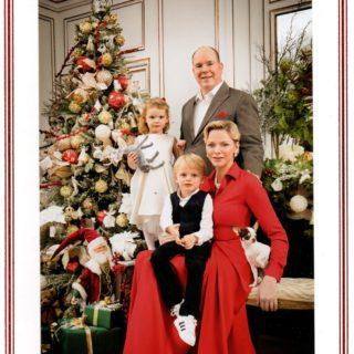 Charlene, Alberto e i gemelli: ecco il ritratto di Natale