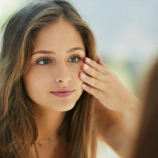 7 prodotti per chiudere i pori dilatati del viso