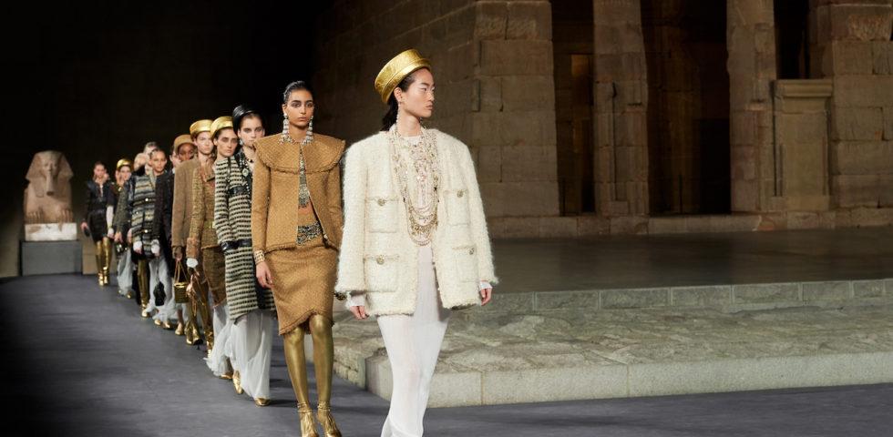 Chanel sfila al Met di New York con la collezione Métiers d'Art: 10 cose da sapere