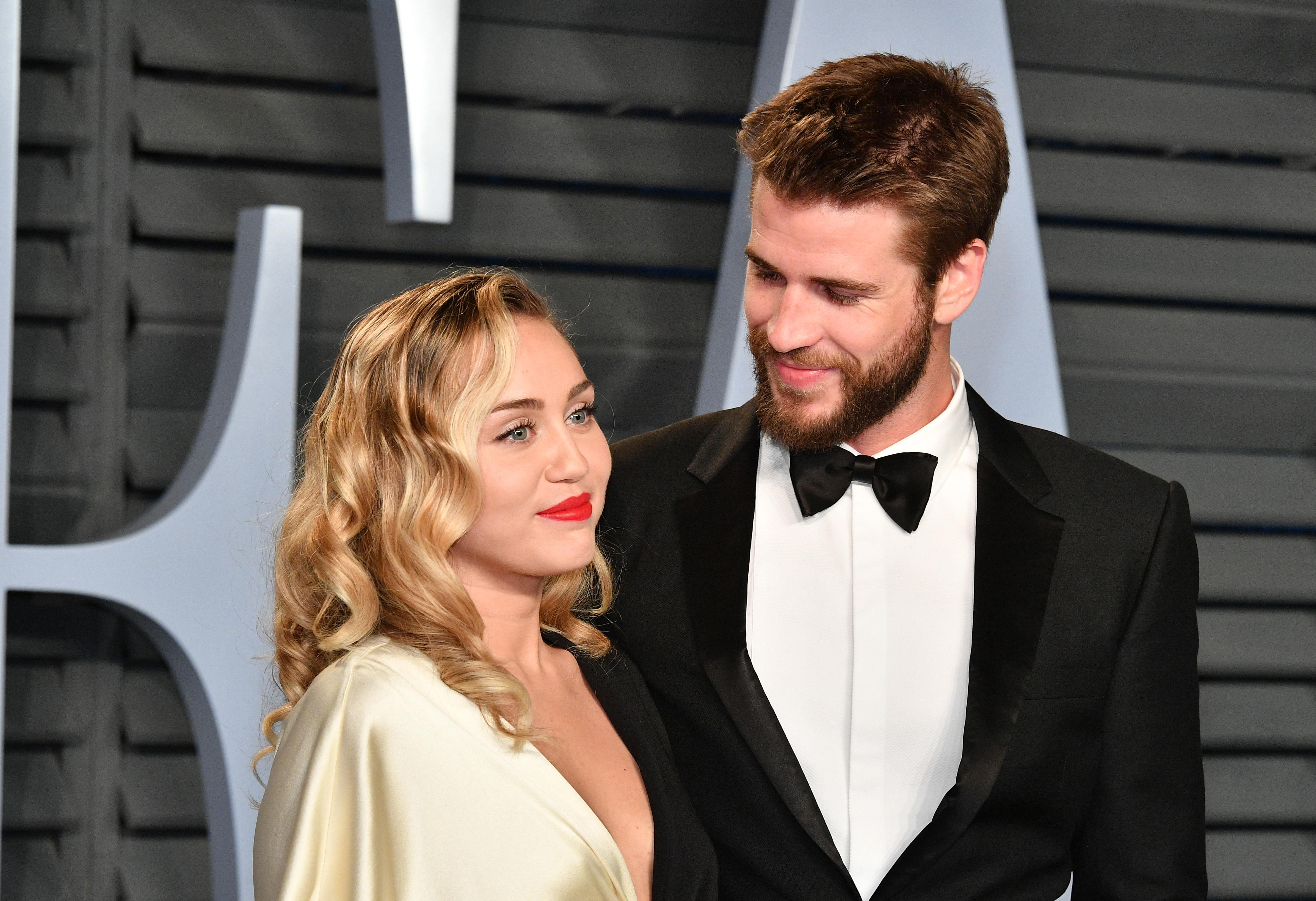 Miley Cyrus e Liam Hemsworth si sono sposati.