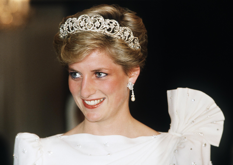Lady Diana: un abito comprato a 175 euro è stato rivenduto all'asta per 110.000 euro