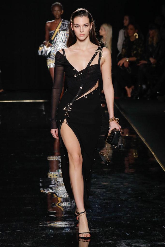 vasta gamma moda vendita professionale Versace: in passerella gli abiti che 20 anni fa hanno fatto la ...