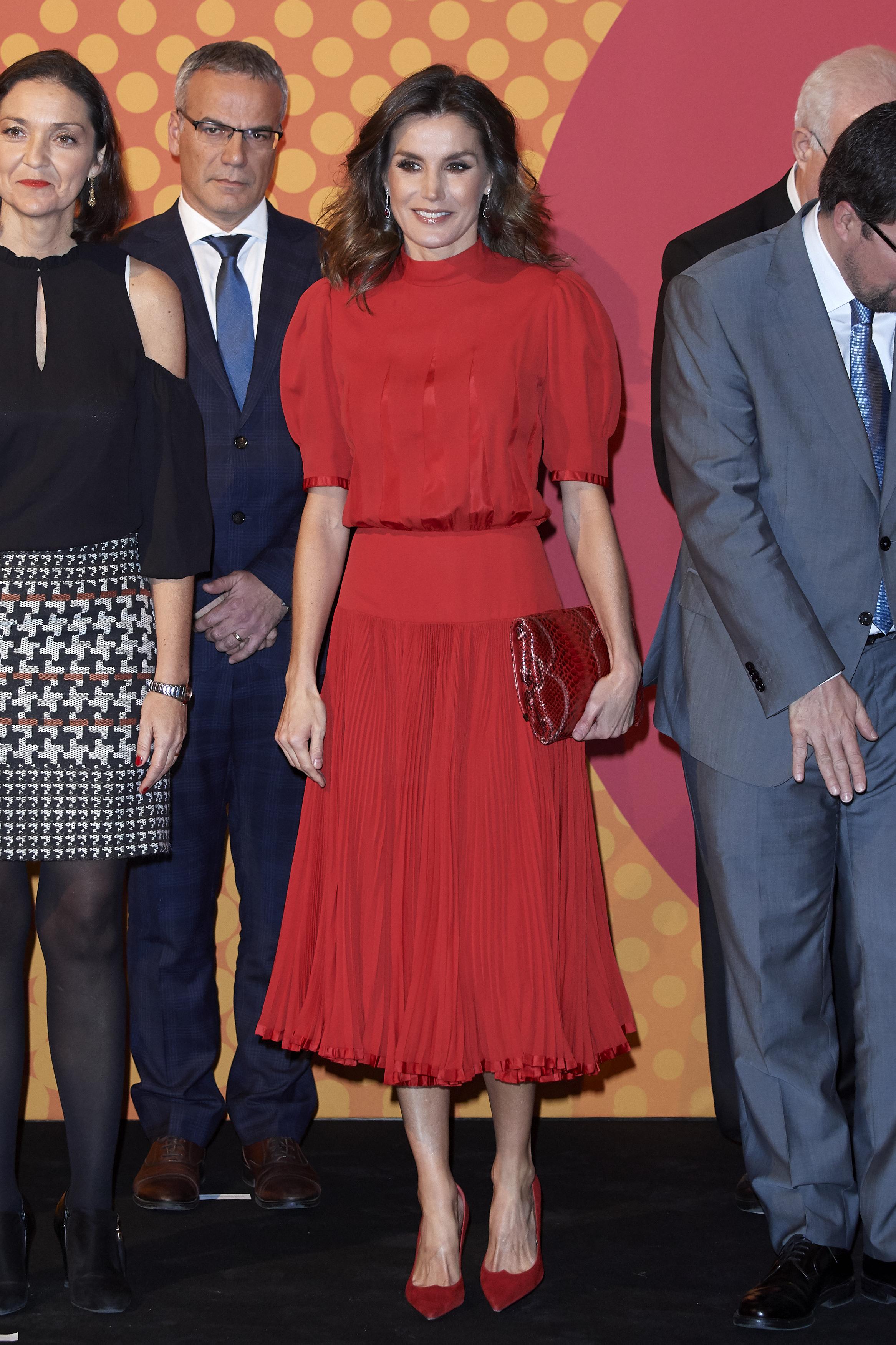 Letizia indossa un abito della Regina Sofia.