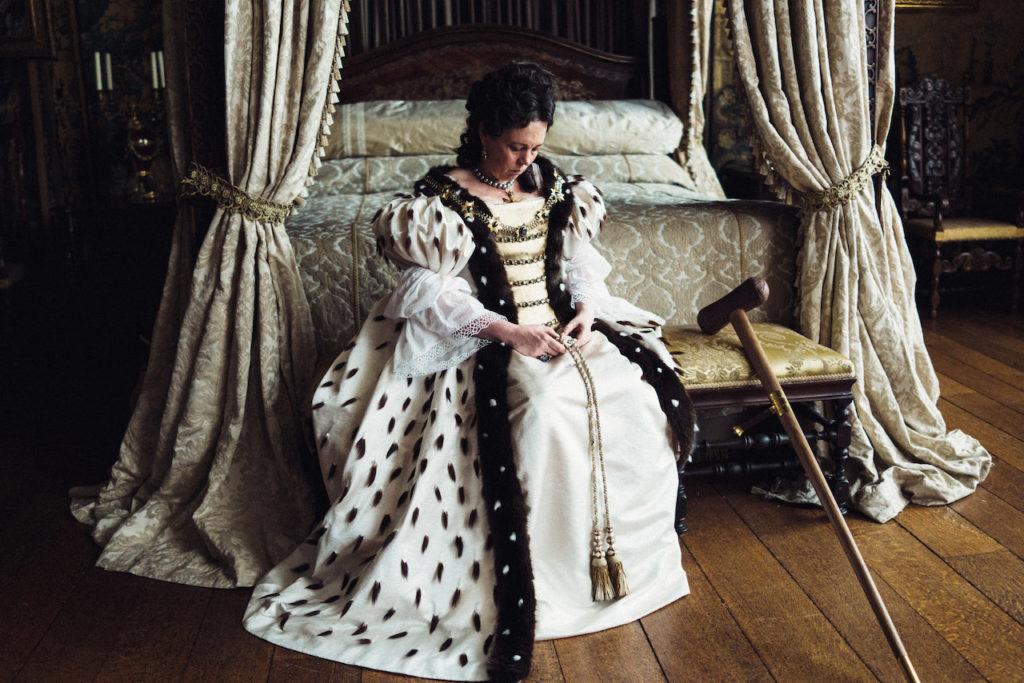 Olivia Colman è la Regina Anna d'Inghilterra nel film di Lanthimos