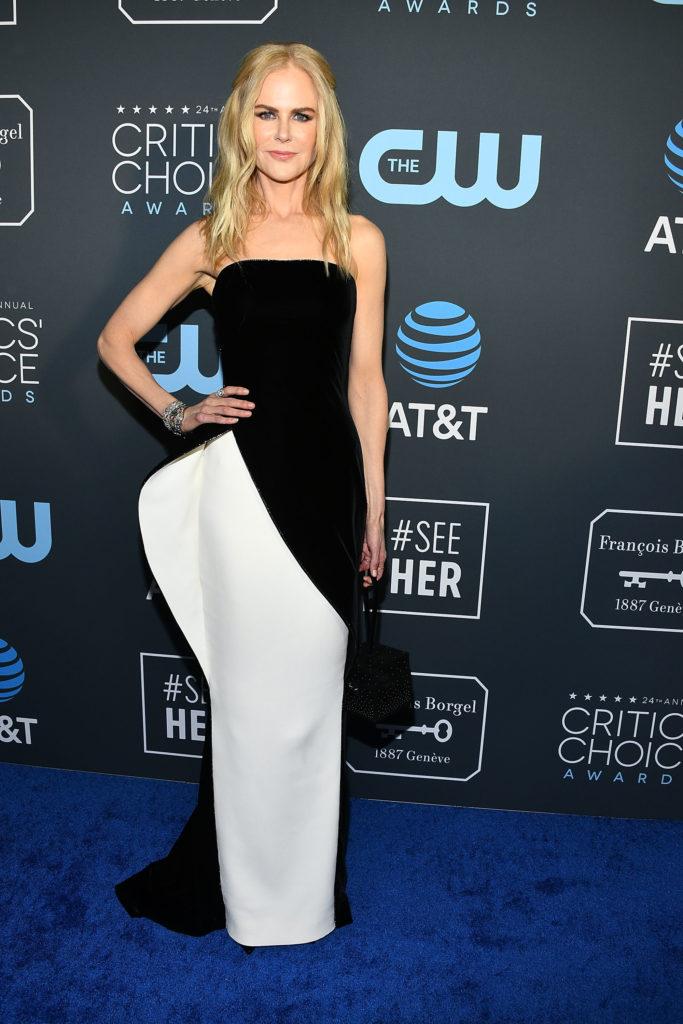 Nicole Kidman in abito bianco e nero di Armani Privé