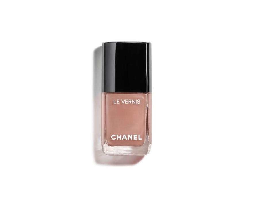 Smalto beige delicato di Chanel