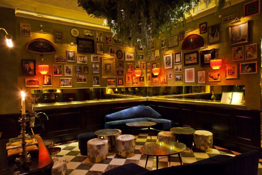 L'Emerald's è un indipendent bar nel cuore di Prati a Roma