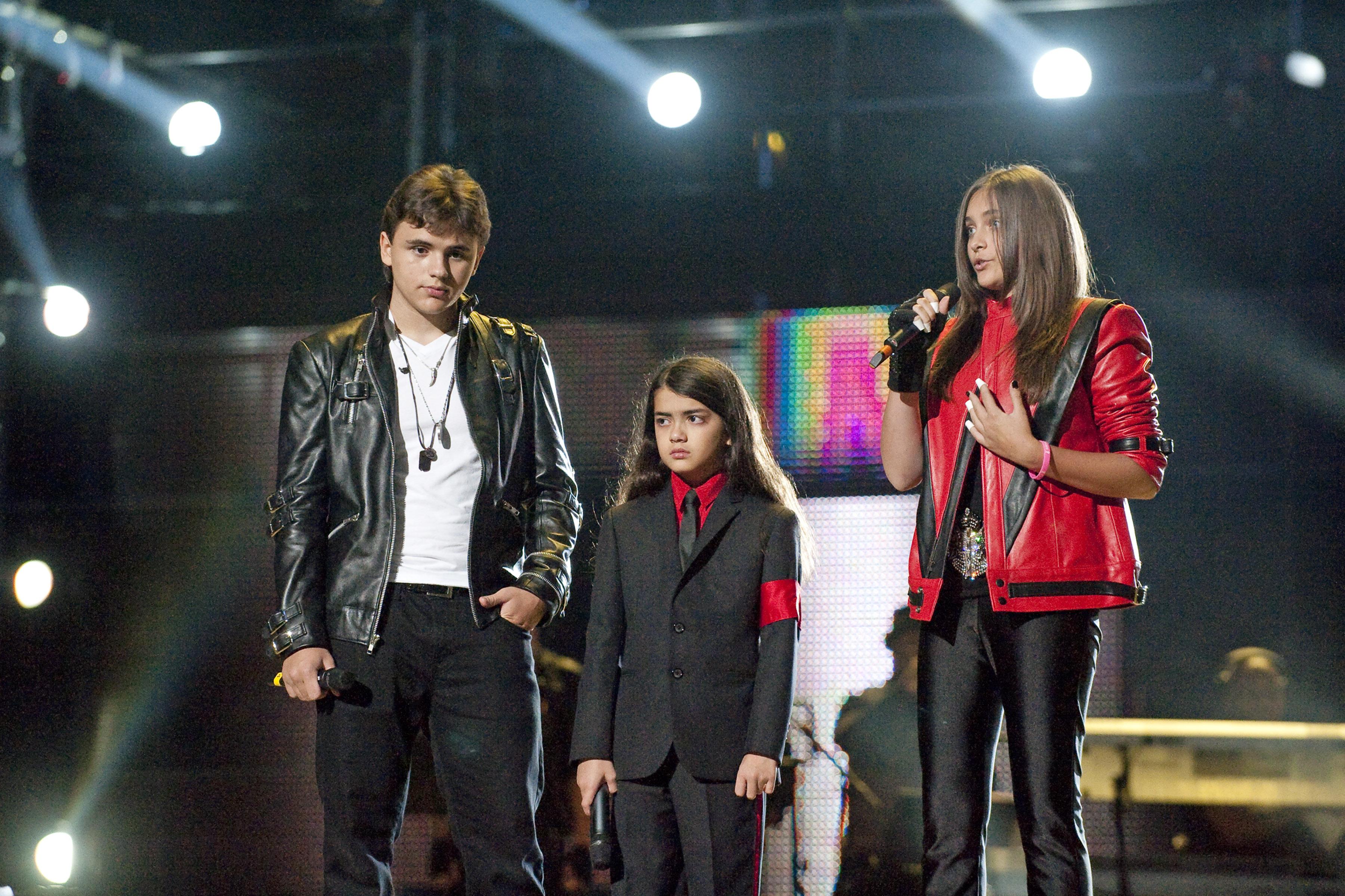 Paris Jackson con i suoi fratelli