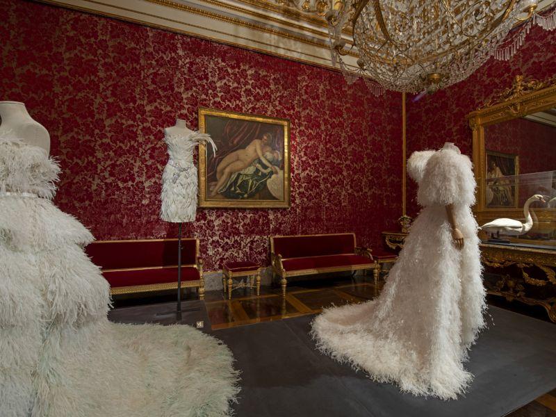 Una delle sale espositive al Museo della moda di Firenze