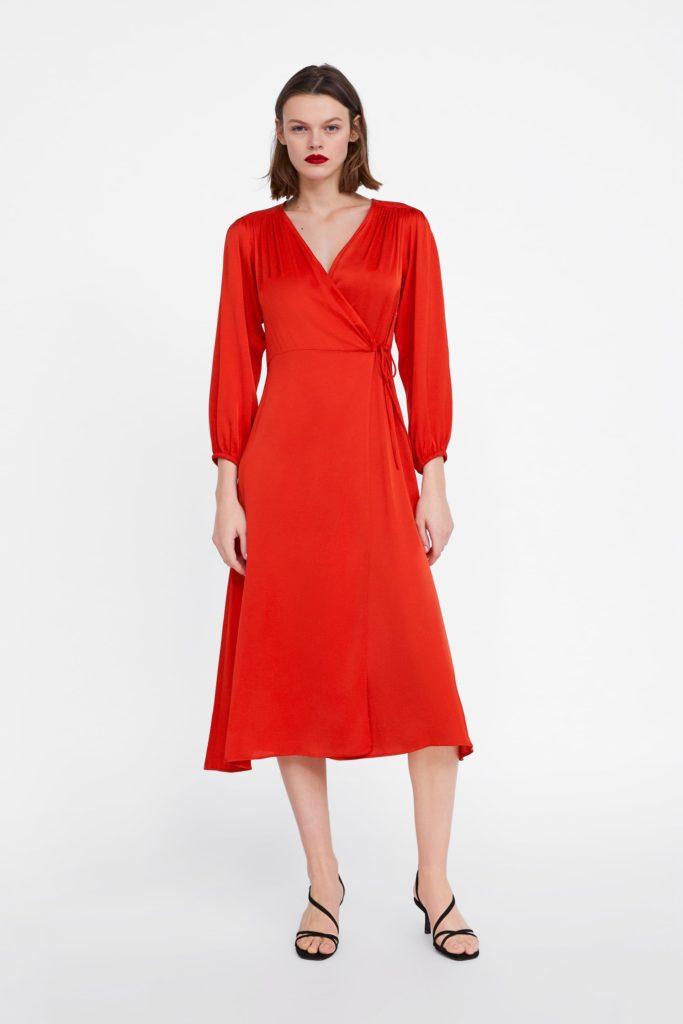 Abito a vestaglia rosso di Zara