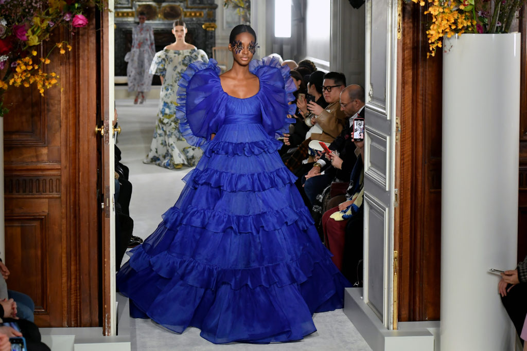 Ball gown indaco di Valentino
