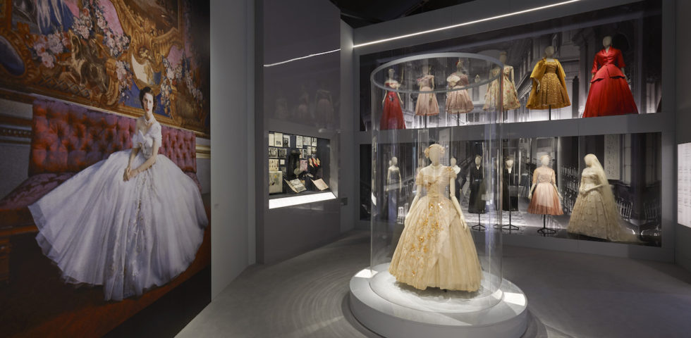 Christian Dior in mostra a Londra al V&A