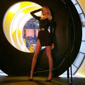 Alessia Marcuzzi: diva in oro per la finale