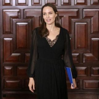 Angelina Jolie visita i campi per rifugiati in Bangladesh