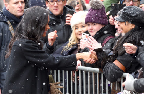 Meghan Markle come Lady Diana: con i guanti senza indossarli