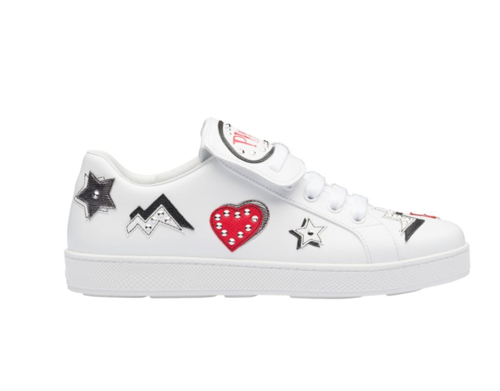 Sneakers in pelle e saffiano di Prada