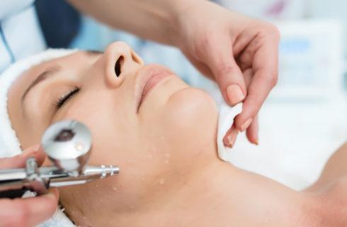 Ossigenoterapia viso: come funziona e per chi è adatta