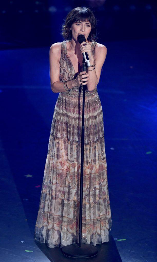 Giorgia si esibisce sul palco del Festival di Sanremo 2019