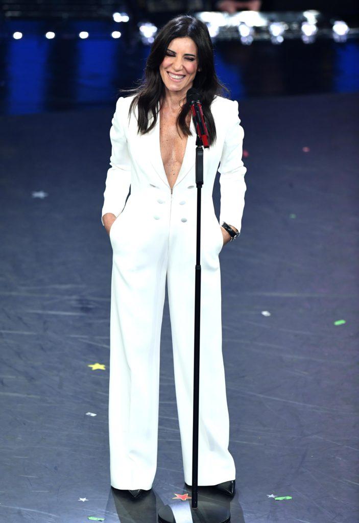 Paola Turci si esibisce sul palco del Festival di Sanremo 2019