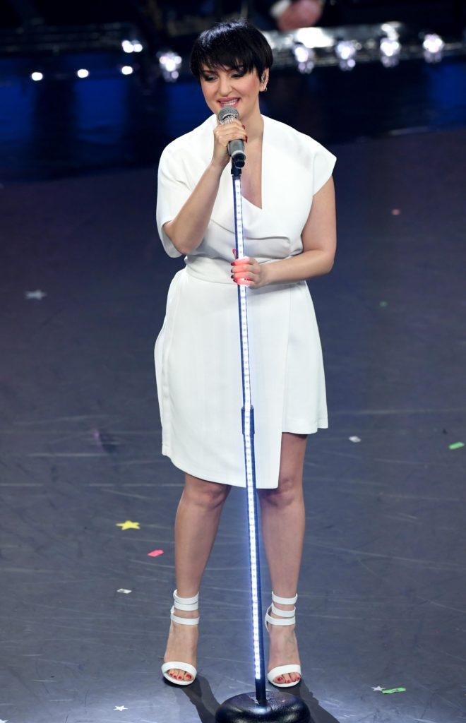 Arisa si esibisce sul palco del Festival di Sanremo 2019
