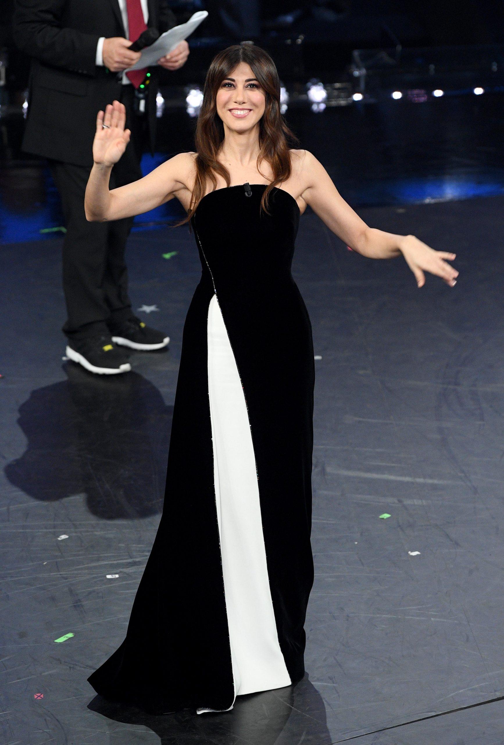 Virginia Raffaele sul palco dell'Ariston al Festival di Sanremo 2019